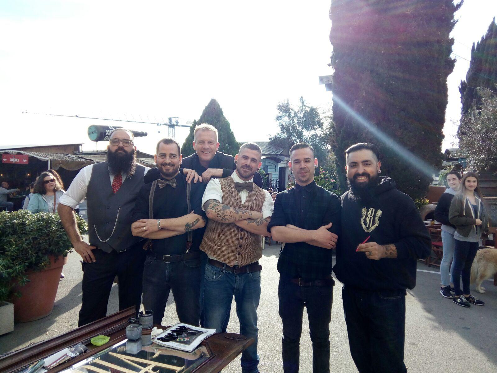 barista Guido con equipo barberia Sant Cugat www.tornadocafe.es
